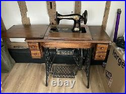 ANTIQUE VINTAGE SINGER SEWING MACHINE with TREADLE & WOOD / CAST IRON TABLE