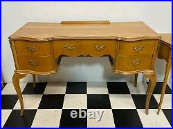 Vintage french louis style dressing table with matching nightstand Delivery